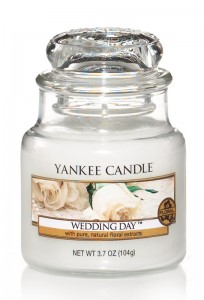 Svíčka YANKEE CANDLE WEDDING DAY Classic malý
